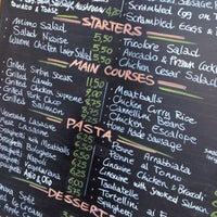 Foto scattata a Mimo's Cafe da Dominic W. il 7/24/2012