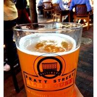 Das Foto wurde bei Pratt Street Ale House von Jennifer C. am 5/22/2012 aufgenommen