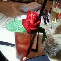 Foto diambil di The Alchemist Bar & Cafe oleh NowVoyager pada 8/31/2012