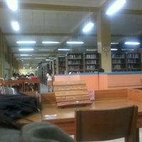 Photo prise au Miguel De Benavides Library par Larrise le3/6/2012