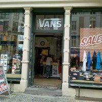 magasin de chaussure vans berlin