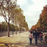 Foto scattata a Jardins des Champs-Élysées da Derrick F. il 9/2/2012