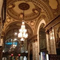 3/23/2012にTad L.がBoston Opera Houseで撮った写真