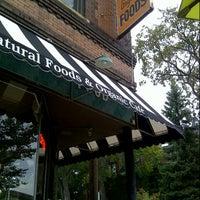 Foto scattata a TAO Natural Foods da Erik D. il 8/25/2012