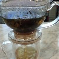 8/12/2012 tarihinde Frances Lorraine A.ziyaretçi tarafından Da.u.de Tea Lounge'de çekilen fotoğraf