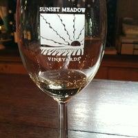 7/20/2012 tarihinde Terri M.ziyaretçi tarafından Sunset Meadow Vineyards  SMV'de çekilen fotoğraf