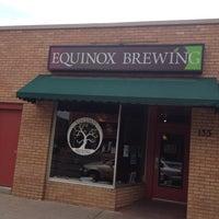 Снимок сделан в Equinox Brewing пользователем Jaquie R. 6/5/2012