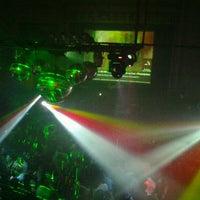 Foto tirada no(a) Fiestas Eyeliner por Memu M. em 8/19/2012