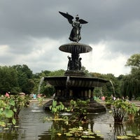 Foto scattata a Bethesda Fountain da Ford G. il 9/2/2012