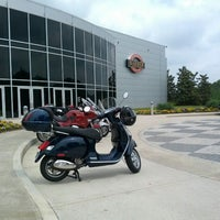 Foto scattata a Barber Vintage Motorsports Museum da Yianni M. il 4/21/2012