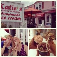Photo prise au Katie's Homemade Ice Cream par Tracey B. le7/5/2012