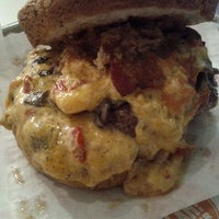 Photo prise au YEAH! Burger par Jeff T. le3/6/2012