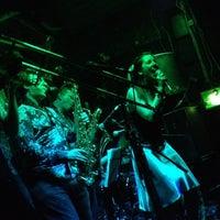 Foto tirada no(a) 12 Bar Club por Chris A. em 3/16/2012