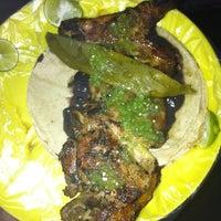 Foto tirada no(a) Tacuqui Tacos por Cristian C. em 7/5/2012