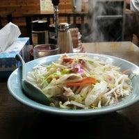 รูปภาพถ่ายที่ 長崎ちゃんぽん 新地 โดย Katsunori O. เมื่อ 9/7/2012