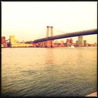 3/13/2012 tarihinde Susan B.ziyaretçi tarafından East River Park'de çekilen fotoğraf