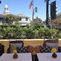 Снимок сделан в Crescent Hotel Beverly Hills пользователем Irene O. 7/19/2012