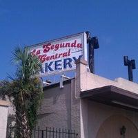 Foto diambil di La Segunda Bakery oleh Brendan pada 8/8/2012