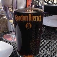 Foto tomada en Gordon Biersch Brewery Restaurant por Steve A. el 3/24/2012