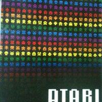 Foto tirada no(a) Atari Bar por Akauã S. em 5/1/2012