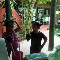 Foto tomada en Lukumbe Café por Pamela R. el 6/24/2012