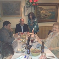 Foto tirada no(a) Villa Mosconi Restaurant por ray m. em 2/26/2012