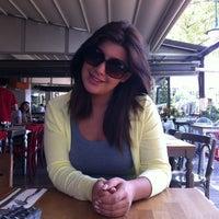 5/7/2012 tarihinde Melike Y.ziyaretçi tarafından Table'de çekilen fotoğraf