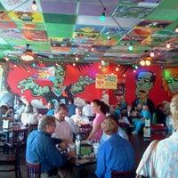 รูปภาพถ่ายที่ Tijuana Flats โดย Terence M. เมื่อ 9/4/2012