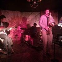Photo prise au Cliff Bell's par missy s. le6/14/2012