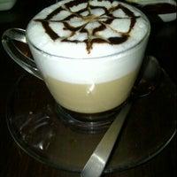5/1/2012 tarihinde Nurr N.ziyaretçi tarafından Cofee Box, Taman Ikhsan Cheras'de çekilen fotoğraf