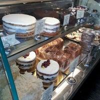 Das Foto wurde bei Tartine Bakery von Riz E. am 7/5/2012 aufgenommen
