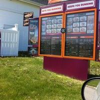 5/7/2012 tarihinde Nicole R.ziyaretçi tarafından Dunkin' Donuts'de çekilen fotoğraf
