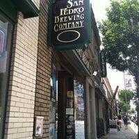 Снимок сделан в San Pedro Brewing Company пользователем Janet A. 8/17/2012