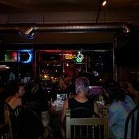 Photo prise au Poplar Street Pub par Ashley S. le8/9/2012
