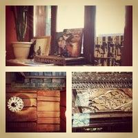 Foto diambil di Кофейня «Кардамон» и лавка «Коллекция Пустяков» oleh Юля К. pada 5/17/2012