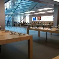 Foto scattata a Apple SoHo da Fernando S. il 8/11/2012