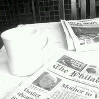 6/24/2012 tarihinde Kaleigh D.ziyaretçi tarafından Last Drop Coffee House'de çekilen fotoğraf