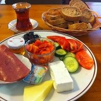 9/9/2012 tarihinde Aslı K.ziyaretçi tarafından Dodo Cafe & Pub'de çekilen fotoğraf