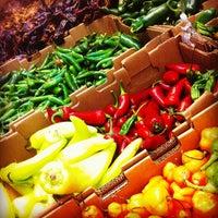 Foto scattata a Central Market da Eduard M. il 4/13/2012