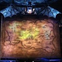 Das Foto wurde bei Gershwin Theatre von Athina F. am 4/20/2012 aufgenommen