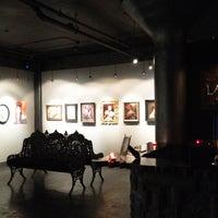 Foto diambil di Last Rites Tattoo Theatre and Art Gallery oleh Darwin E. pada 7/25/2012