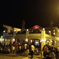 Das Foto wurde bei Uno Restaurant von Korhan T. am 8/19/2012 aufgenommen