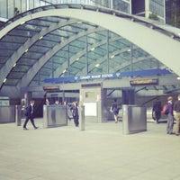 6/8/2012 tarihinde Mwachala N.ziyaretçi tarafından Canary Wharf'de çekilen fotoğraf