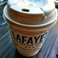 Foto tirada no(a) Lafayette Espresso Bar + Marketplace por Christen D. em 8/2/2012