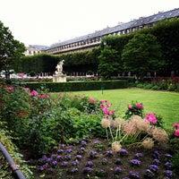 7/13/2012にPagnaがJardin du Palais Royalで撮った写真