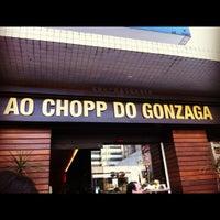 รูปภาพถ่ายที่ Ao Chopp do Gonzaga โดย Dani V. เมื่อ 8/26/2012