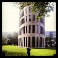 Foto diambil di Vrije Universiteit Brussel Brussels Humanities, Sciences & Engineering Campus oleh Stijn V. pada 5/7/2012