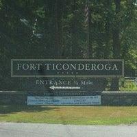 Foto tirada no(a) Fort Ticonderoga por Katrina W. em 7/21/2012