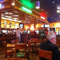 Foto tomada en La Parrilla Mexican Restaurant por Chad el 3/27/2012