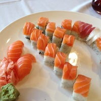 3/25/2012にJoshua D.がNaan Sushiで撮った写真